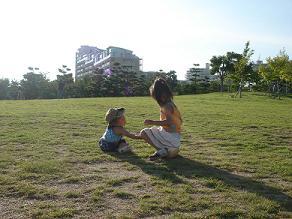 新西宮浜ヨットハーバー 西宮貝類館 芝生遊び