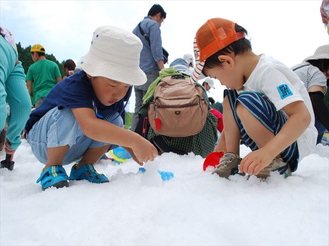 六甲山カンツリーハウス 真夏の雪まつり