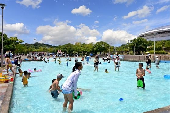 神戸総合運動公園 ちゃぷちゃぷ池 無料開放 夏休み 水遊び
